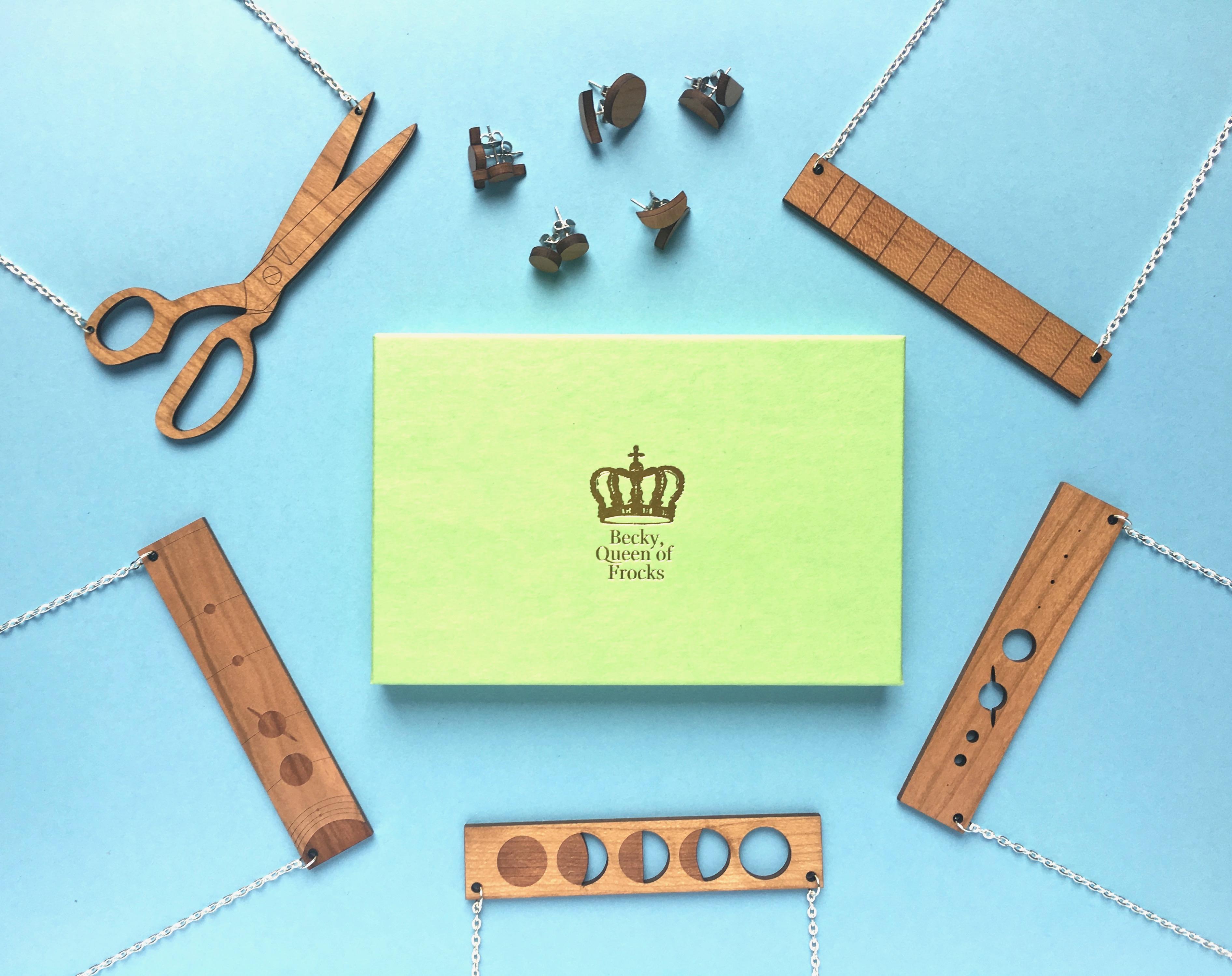 Bijoux en bois pour les geeks