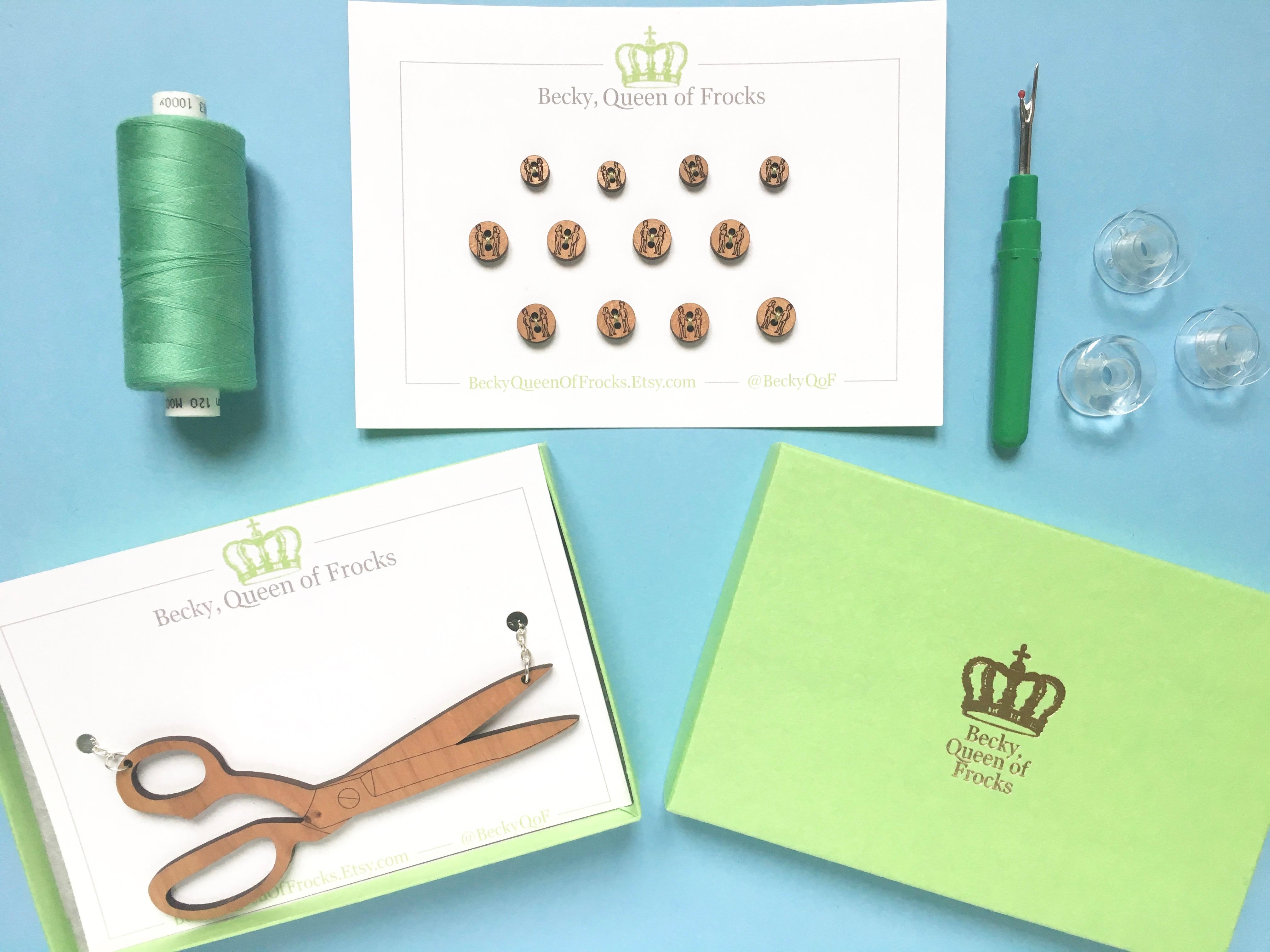 Bijoux en bois pour les couturières