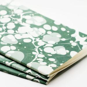 Tomas Avinent, carnets et affiches imprimés d 'après la technique ottomane du papier marbré